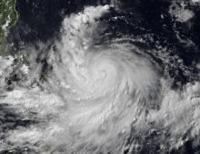 """Тайфун """"Раммасун"""" - cильнейший за последние 40 лет ураган нанес серьезный ущерб транспортным коммуникациям и коммунальной инфраструктуре Китая. Есть жертвы и пропавшие без вести"""